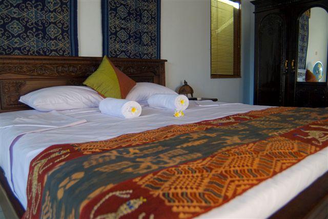 Meriki Hotel Bali Camera